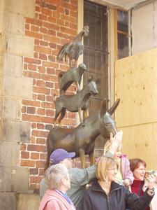 share-story-town-musicians-Bremen