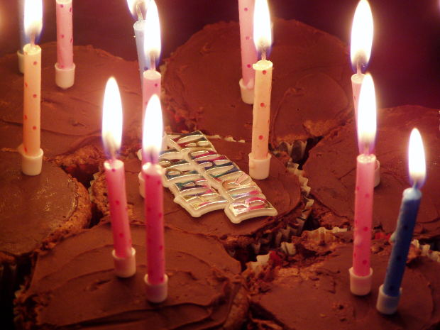 Party - Cake Candles Happy Birthday