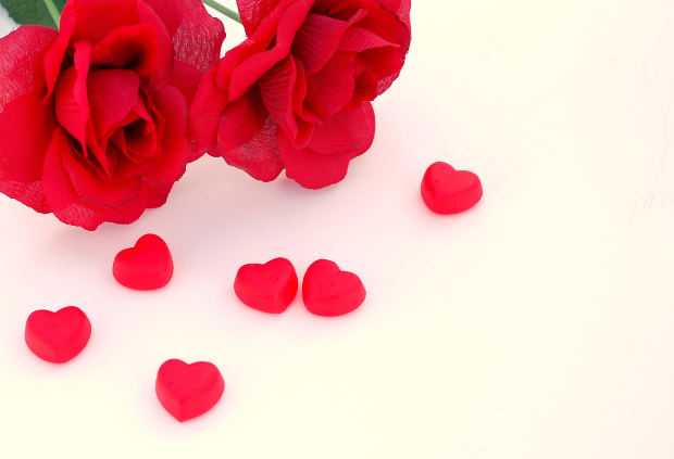 Love red roses and heart