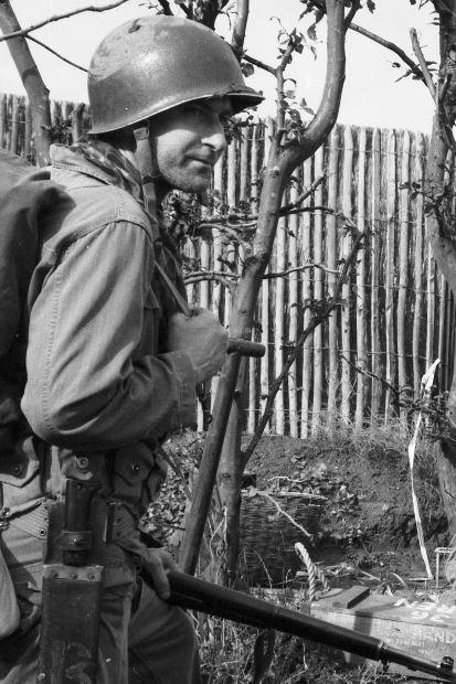 soldier-gun