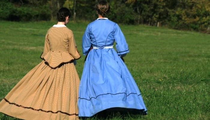 two-girl-friends-garden