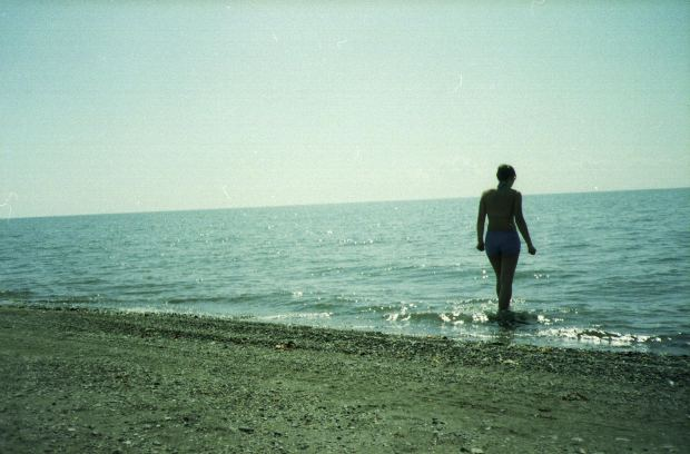 lady-sea-beach