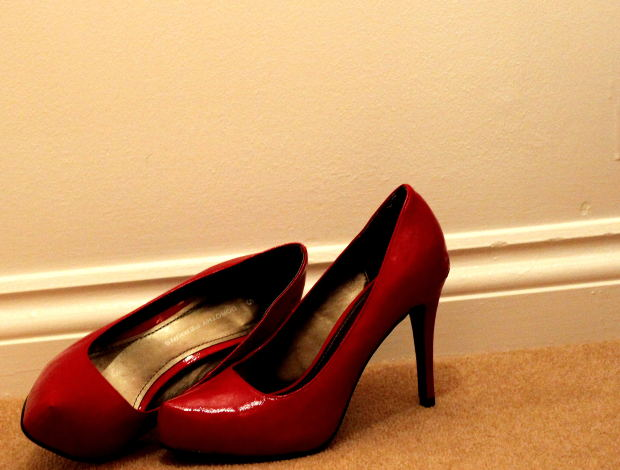 love-short-story-red-shoes-high-heel