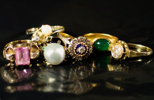 rings-colourful-stones