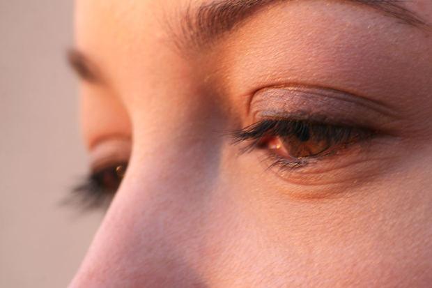 beautiful-woman-tears-eyes