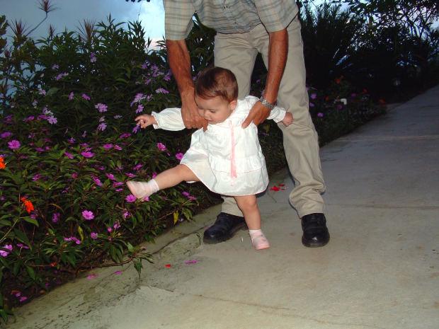 father-daughter-garden