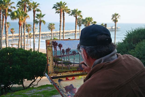 Social-Short-Story-painter-with-painting