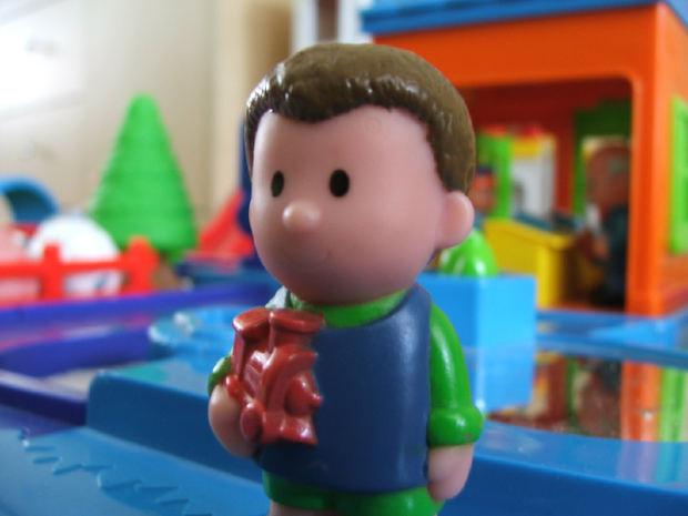 toy-boy-wood