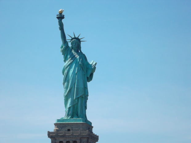 family-short-story-statue-of-liberty