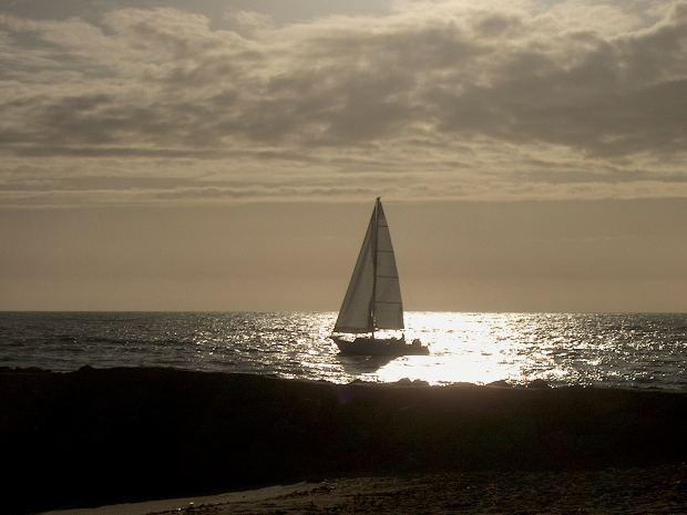 children-short-story-moral-boat-sailing-water