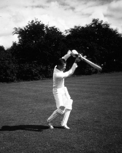 Cricket Batsman with bat and pads
